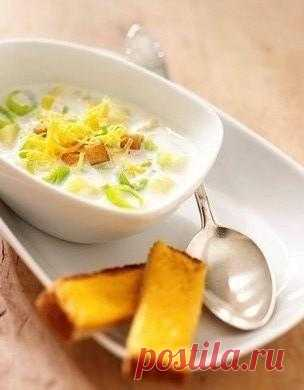 Весенний суп с базиликом и соусом Песто