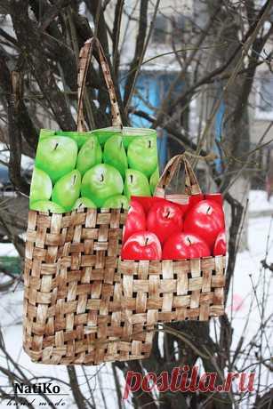 Чтобы не платить каждый раз в супермаркете за пакет, сшейте себе эко- сумку для продуктовых покупок.
