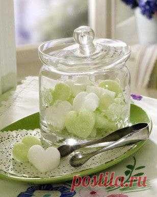 Для романтического чаепития: сахар в форме сердечка.
