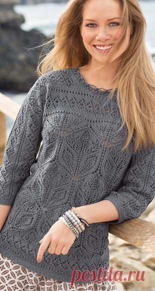 Стильный серый пуловер спицами