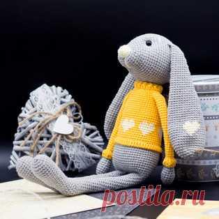 Зайка Боно амигуруми. Схемы и описания для вязания игрушек крючком! Бесплатный мастер-класс от Анны Семеряковой по вязанию зайки по имени Боно. Высота вязаной крючком игрушки примерно 36-38 см. Для изготовления такого…