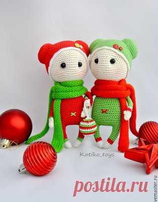 Новогодние Пупсы амигуруми. Схемы и описания для вязания игрушек крючком! Схема для вязания новогодних пупсов, впрочем расцветку вы можете подобрать под любой сезон. Готовая кукла должна получится примерно 18 см ростом. В оп…