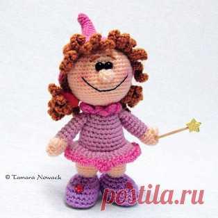Изюминка амигуруми. Схемы и описания для вязания игрушек крючком! Бесплатный мастер-класс от Тамары Новак по вязанию куклы по имени Изюминка крючком. Высота вязаной куколки всего 12 см. Из описания схемы вы также узн…
