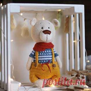 Мишка амигуруми. Схемы и описания для вязания игрушек крючком! Бесплатный мастер-класс от Марии Лакиза по вязанию мишки крючком. Высота вязаной игрушки примерно 23 см. Для изготовления медвежонка автор использовал…