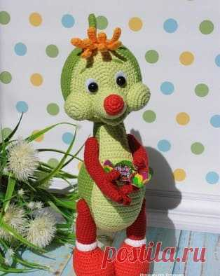 Drakonchik sweet tooth of an amiguruma. Schemes and descriptions for knitting of toys a hook! A free master class from Maria Ustyushkina in knitting of a drakonchik from an animated cartoon \