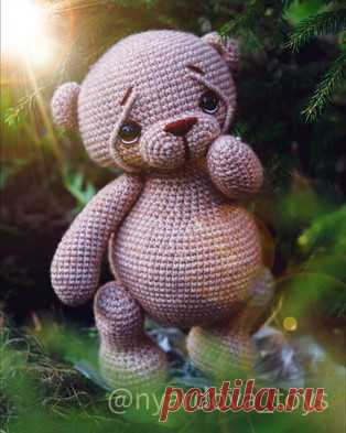 Медвежонок Пухля амигуруми. Схемы и описания для вязания игрушек крючком! Бесплатный мастер-класс от Вероники Ярдовой по вязанию медвежонка по имени Пухля. Высота вязаной крючком игрушки примерно 20 см. Для изготовления тако…