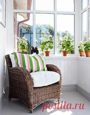 Еще больше света, благодаря окнам. Конечно, иметь такой большой балкон с широкими окнами - это роскошь.