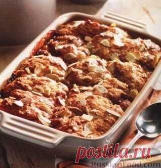 Абрикосовый пирог. Этот абрикосовый пирог готовится по необычной технологии, согласно которой тесто выкладывается на фрукты небольшими порциями.