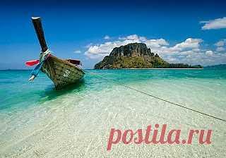 Когда ехать в Таиланд? Королевство Таиланд - популярное место отдыха. Лазурное море, белоснежные пляжи, приветливые аборигены, низкие цены и лето круглый год. Собственно, последние и есть предмет вожделения среднестатистического россиянина, который ходит по пояс в сугробе или утопает в дождях под свинцовым небом большую часть года.