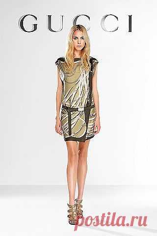 платье из платка gucci