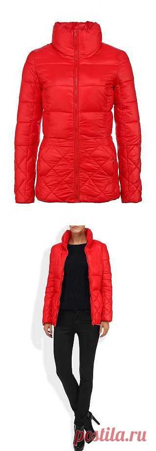 Стильно, ярко, тепло - да, это наша осень! Утепленная курточка ярко-красного цвета - и стильно, и практично на каждый день. Купить за 1 599 руб.