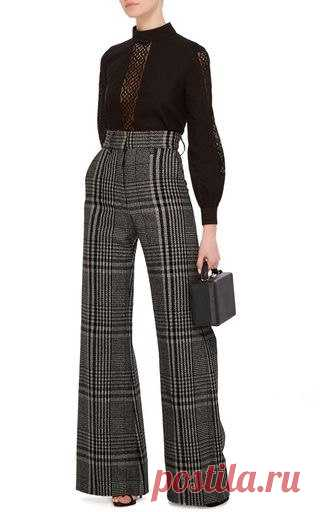 Wide trousers: to whom and with what to carry.