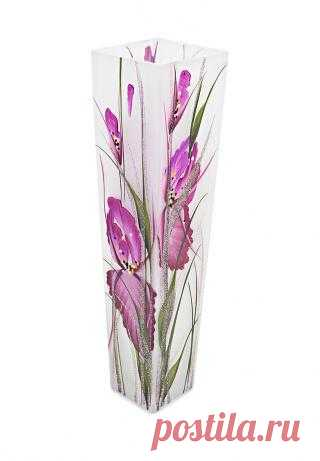 В такой чудесной вазе самый простой букет будет смотреться восхитительно