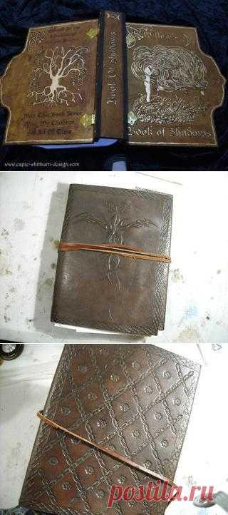 Варианты скрапбукинга под старинные, волшебные или таинственные книги.