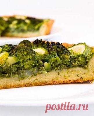 Киш с брокколи и шпинатом
