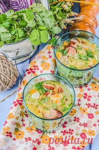 Чечевичный суп с копчеными колбасками.