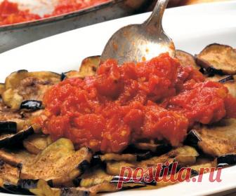 Немного из турецкой кухни: Баклажан с соусом из томатов и чеснока
