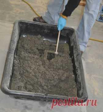 Цементные смеси для пола и стен: как смешивать?  Если вам нужен бетонный пол (наливной пол) или требуется отштукатурить стены, и вы собираетесь делать все это самостоятельно, то изначально вам нужно купить подходящие материалы. У вас есть два варианта: