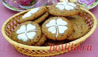 Печенье с кусочками шоколада - рассыпчатый и очень вкусный десерт, который не оставит равнодушным никого. Особенно вкусно с молоком!