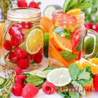 Долой газировку: 12 рецептов фруктовой воды для красоты и здоровья