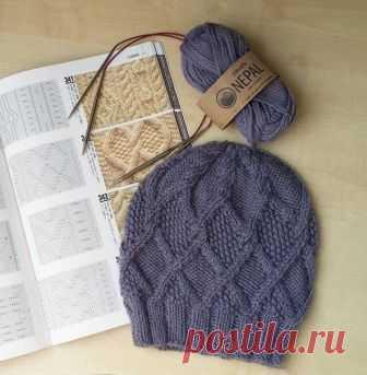 Тёплая шапочка с аранами из категории Интересные идеи – Вязаные идеи, идеи для вязания