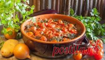 Рецепт приготовления армянского блюда Айлазан Айлазан – армянское национальное кушанье, приготавливаемое из томящихся под гнётом овощей. Это аналог привычного для нас овощного рагу. В его состав непременно входят баклажаны. Раньше данное блюдо в Армении готовили в тонире – печи-жаровне, сделанной прямо в земле, с помощью которой не только еду готовили, но и обогревали жилище. Современные же кулинары для приготовления айлазана …