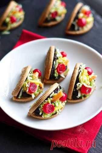 Erica's Sweet Tooth » Oreo Taco Cookies