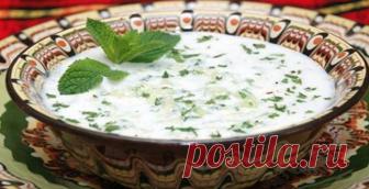 В преддверии лета отдыха и жары — готовим необычный турецкий суп с огурцами. Освежающий тонизирующий и очень сытный    Многие кухни мира имеют свои первые блюда, которые подают охлажденными. У нас это окрошка, в Испании — гаспачо, в Турции — джаджик. Пробовать — обязательно!          Когда была на отдыхе, попробова…