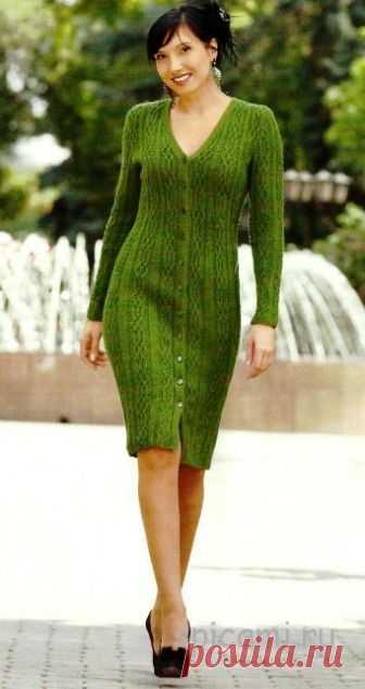 Элегантное зеленое платье на пуговицах спицами Щелкните по картинке, чтобы увидеть ее в большом размере. Размер: 46/48 Вам потребуется: - 600 г пряжи «Примьера» (100 % шерсти; 300 м/100 г) зеленого цвета; - 11 шт. пуговиц; - спицы № 4; - крючок № 4.