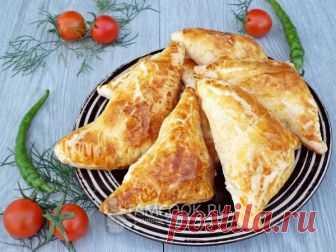 Слойки из бездрожжевого слоеного теста с ветчиной — рецепт с фото Быстрые и простые слойки с ветчиной. Отличный завтрак или перекус.
