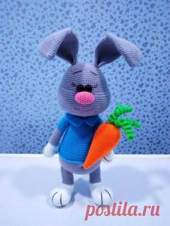 Дорогие рукодельницы! В такой светлый праздник,я подготовила для вас МК по зайцу Стёпке.В данный МК описание схемы морковки не входит. Приятного вязания и легких петелек