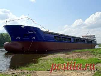 В Навашино спущен на воду четвёртый сухогруз проекта RSD32M Сегодня вНавашино (Нижегородская область) наОкской судоверфи спущен наводу сухогруз «Навис-4» проекта RSD32M, предназначенный для компании «Навис».