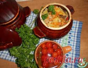 Горшочки с картофелем, мясным ассорти и грибами – кулинарный рецепт