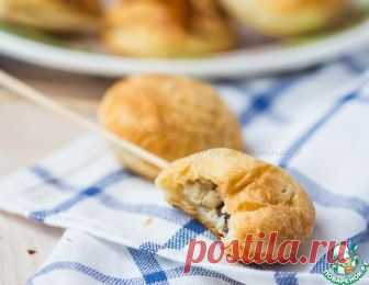 Мини пирожки с курицей на палочках - кулинарный рецепт