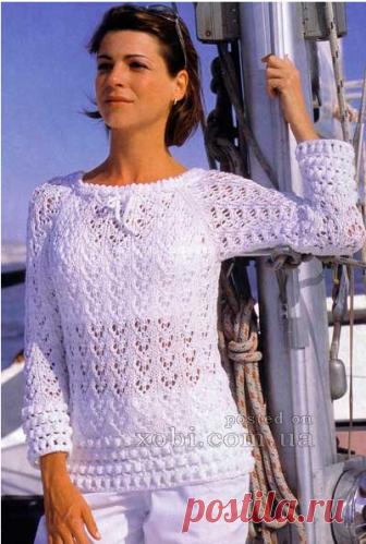 белый пуловер с каймой — HandMade