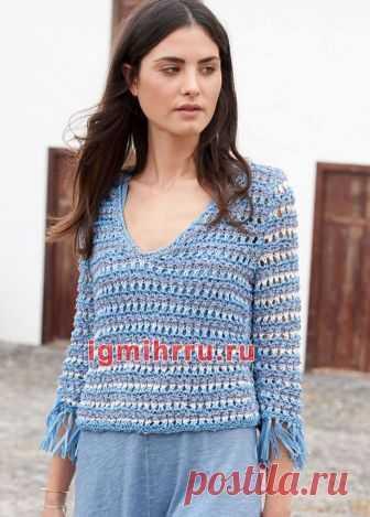 Бело-голубой пуловер в полоску. Вязание спицами
