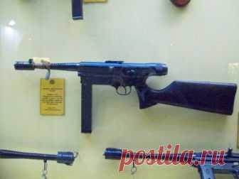 Пистолет-пулемёт Halcón M/943 (Аргентина) В тридцатых годах аргентинские оружейники из нескольких организаций предложили ряд новых проектов пистолетов-пулеметов, пригодных для использования в армии, полиции и других силовых структурах. Часть ...