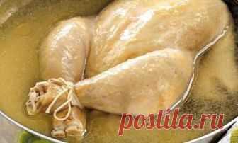 Диетологи раскрыли, как правильно варить куриный бульон  Готовить суп из курицы нужно только на втором бульоне, так как в первом сохраняется большое количество антибиотиков, утверждают сторонники здорового питания.Насколько опасен куриный бульон, и как пра…