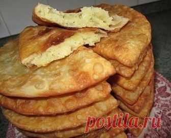 Как приготовить чебуреки на кефире с картошечкой и сыром - рецепт, ингредиенты и фотографии