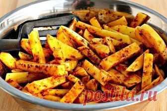 Ароматный картофель фри, запеченный в духовке  ...