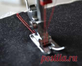 Как шить трикотаж на обычной швейной машине (Шитье и крой) Трикотажные вещи смотрятся красиво, удобны в носке, и магазины сегодня предлагают огромный выбор тканей. Начинающие мастерицы боятся шить вещи из этого материала, сомневаются, что без специального …