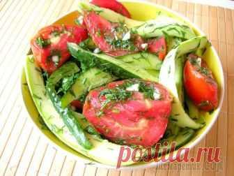 Хрустящие малосольные овощи в пакете Малосольные овощи - это легкая в приготовлении закуска, которая внесет пикантность в ваше повседневное или праздничное меню. Хрустящие, ароматные, сочные кабачки и огурчики, нежные помидорчики станут ...