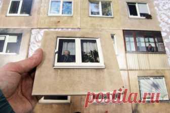 Литовская студия придумала керамическую плитку в виде панелей советских пятиэтажек Литовская студия Gyva Grafika получила заказ на новое оформление санузла в ресторане Galeria Urbana в Каунасе. Владельцы не были готовы сбивать плитку со