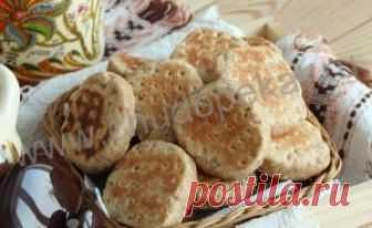 Рецепт вкусного домашнего овсяного печенья на сковороде - Чудо Пекарь Такое простое и вкусное домашнее овсяное печенье(на скорую руку) пекли на сковороде, и было оно особо популярным в советские годы. Вот и в мои кулинарные записные тетради рецепт...