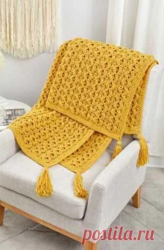 Плед золотые волны Красивый плед в желтом цвете, связанный из мягкого акрила крючком 5.5 мм. Вязание пледа выполняется рядами по приведенной в описании...