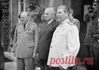 Как после Второй мировой войны страны-победители делили Германию Признанная агрессором во Второй мировой войне, Германия после капитуляциибыла поделена между странами-победителями.
