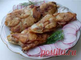 Ну оОчень вкусная курочка в картофельной чешуе    Главная Все рецепты Вторые блюда Блюда из мяса    Куриное филе - 500 г Картофель -  2-3 шт (300-350 г) Яйцо - 2 шт. Мука  - 1-2 ст.л. Масло растительное – 2 ст.л. Перец молотый -1 ч.л. Соль  – по в…