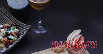 Солени бисквити с чедър и дюлево желе