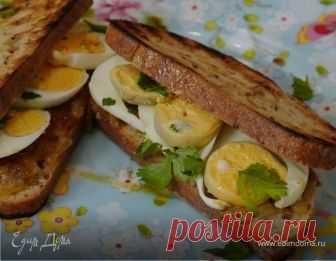 Сэндвич по-индийски . Ингредиенты: хлеб цельнозерновой, яйца куриные, лук репчатый Вместо джема можно взять варенье.
