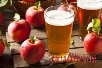 Домашнее вино из яблок - не только очень вкусный, но и полезный напиток!  Домашнее вино может стать настоящей изюминкой застолья. Оно не только поднимает настроение, но и оказывает вполне реальную пользу, благоприятно воздействуя на нервную и эндокринную систему, желудочно…